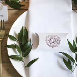 PUDEŁECZKA dekoracyjne z ornamentową rozetą 10szt 9,5x5cm
