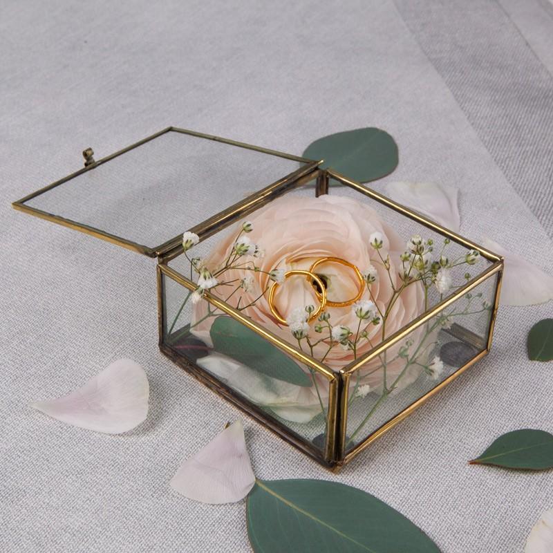 szklana szkatułka