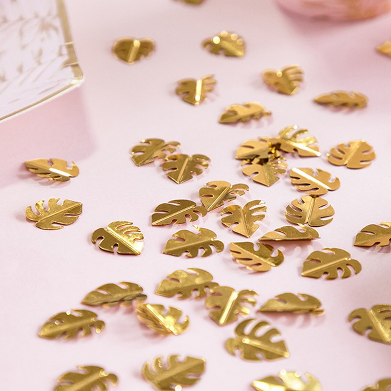 Złote konfetti listki