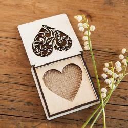 PUDEŁKO ozdobne drewniane z jutą Ażurowe Serce